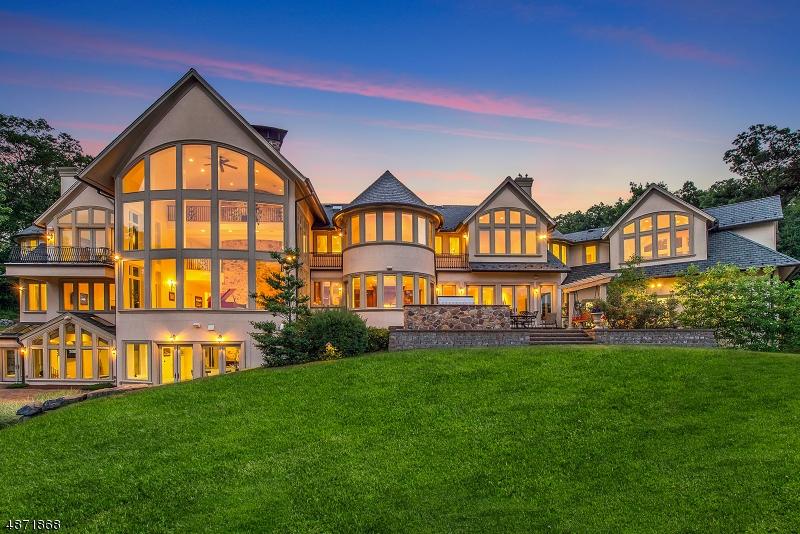 Single Family Homes pour l Vente à Montville, New Jersey 07045 États-Unis