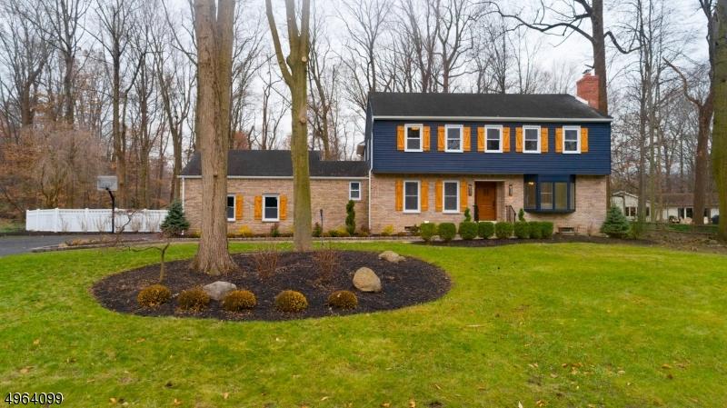 Single Family Homes 为 销售 在 旧塔潘, 新泽西州 07675 美国