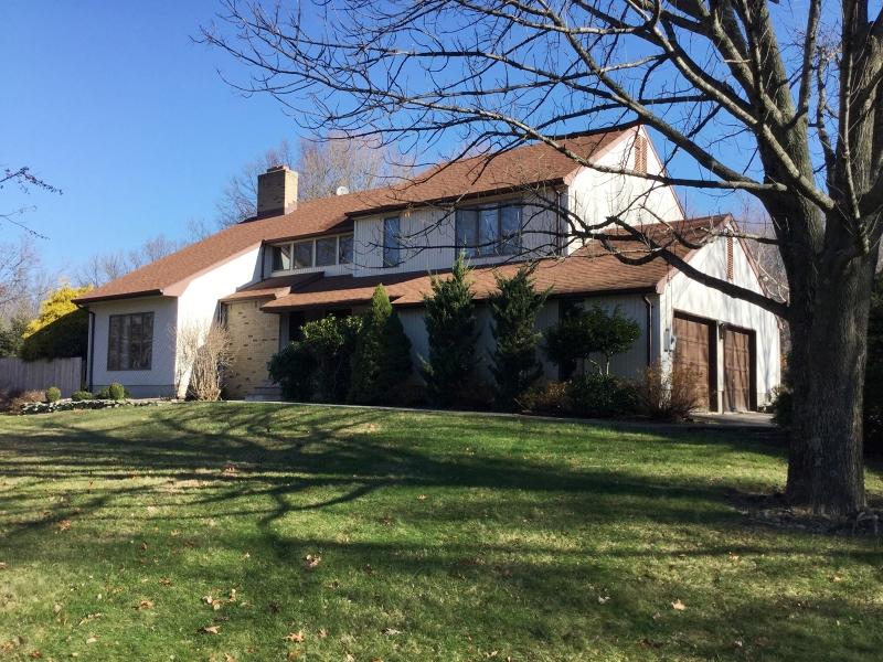 Maison unifamiliale pour l Vente à 309 Klimas Road Branchville, New Jersey 07826 États-Unis