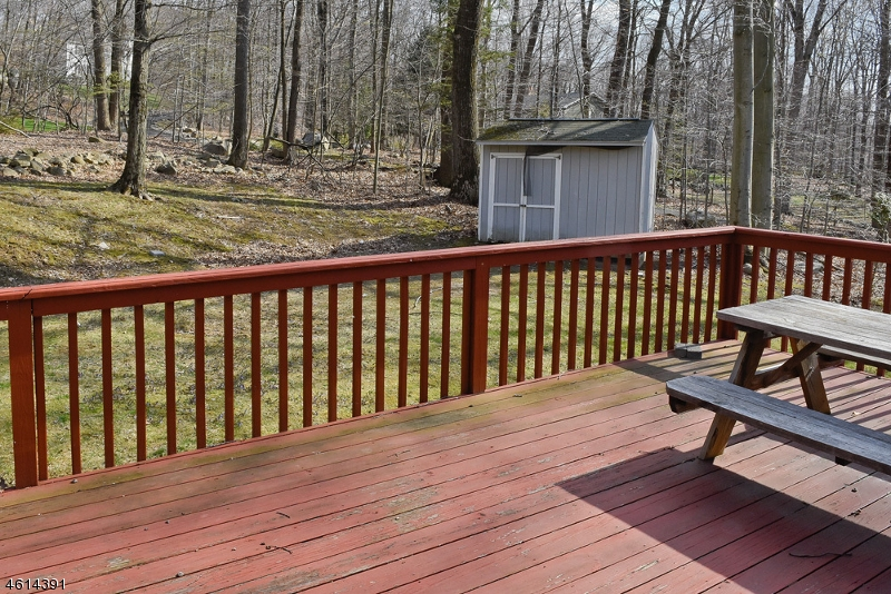 Additional photo for property listing at 73 Tomahawk Trail  Sparta, New Jersey 07871 United States