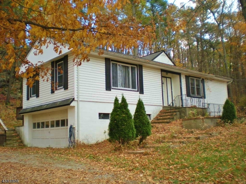 Additional photo for property listing at 1712 Macopin Road  West Milford, New Jersey 07480 États-Unis