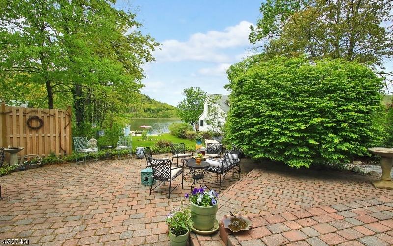 Частный односемейный дом для того Продажа на 46 Myrtle Avenue Branchville, 07826 Соединенные Штаты