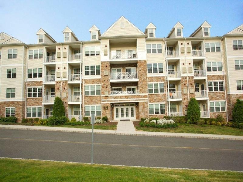 独户住宅 为 销售 在 5405 Sanctuary Blvd 里弗代尔, 07457 美国