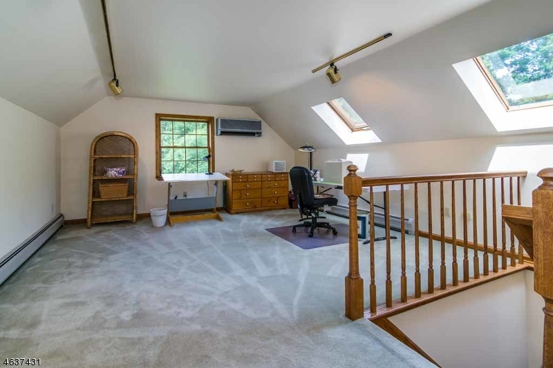 Additional photo for property listing at 15 Ridge Lane  Blairstown, New Jersey 07825 États-Unis