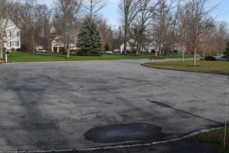 Additional photo for property listing at 2 Weston Drive  Pittstown, Нью-Джерси 08867 Соединенные Штаты