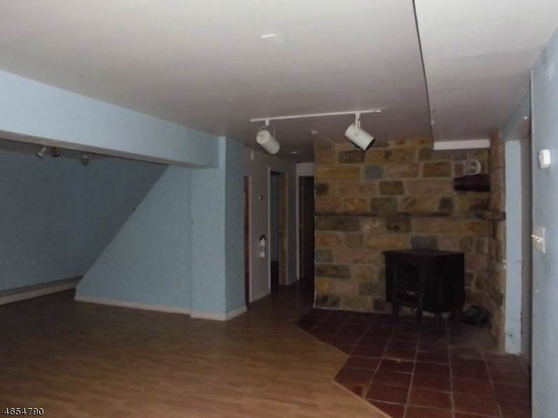 Additional photo for property listing at 305 Marsh Place  Highland Lakes, Нью-Джерси 07422 Соединенные Штаты