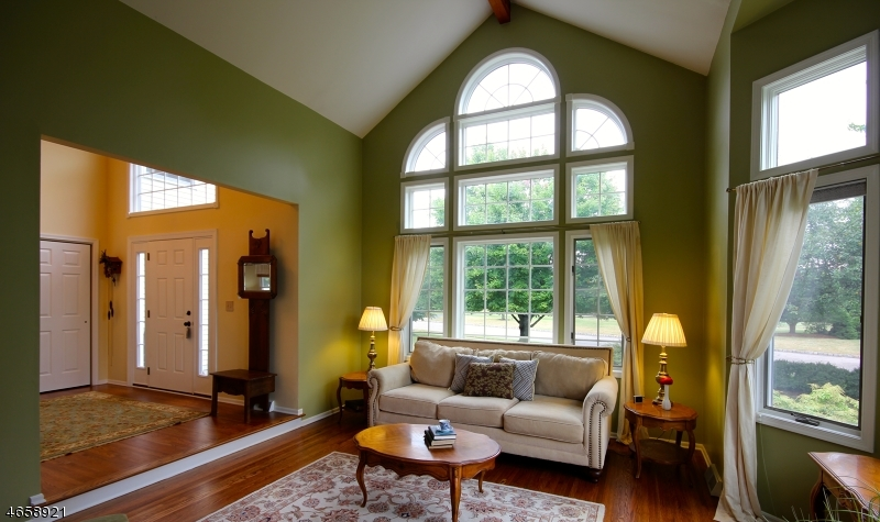 Additional photo for property listing at 606 Debra Lane  Stewartsville, New Jersey 08886 États-Unis