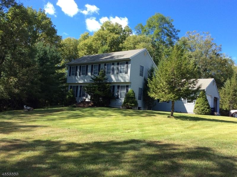 Частный односемейный дом для того Продажа на 8 Jones Farm Lane Oxford, 07863 Соединенные Штаты