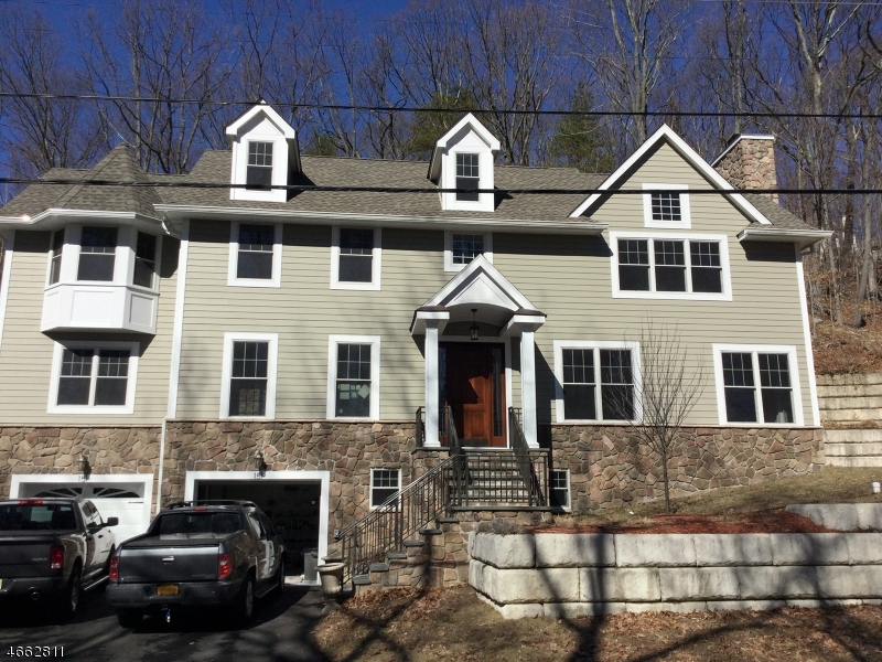 Additional photo for property listing at 151 W Shore Trail  Sparta, New Jersey 07871 United States
