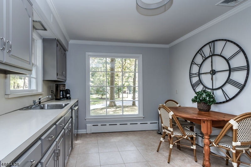 Additional photo for property listing at 1474 Fox Trail  Mountainside, Nueva Jersey 07092 Estados Unidos