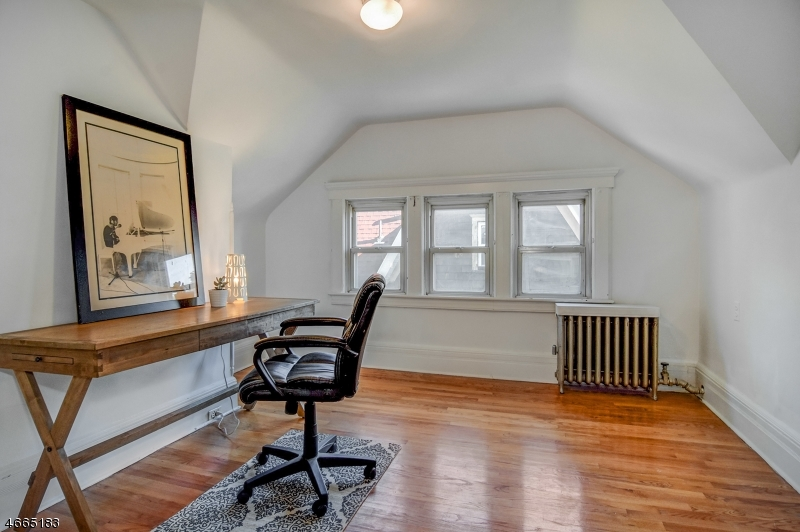 Additional photo for property listing at 165 Washington Street  Bloomfield, Нью-Джерси 07003 Соединенные Штаты