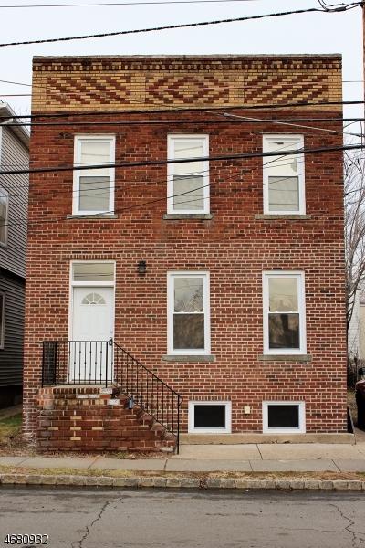 Maison unifamiliale pour l à louer à 62-64 GREYLOCK Avenue Belleville, New Jersey 07109 États-Unis