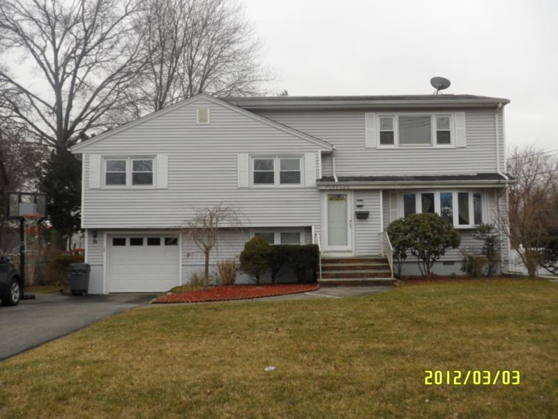 独户住宅 为 出租 在 15 Woodvale Road 格伦洛克, 新泽西州 07452 美国
