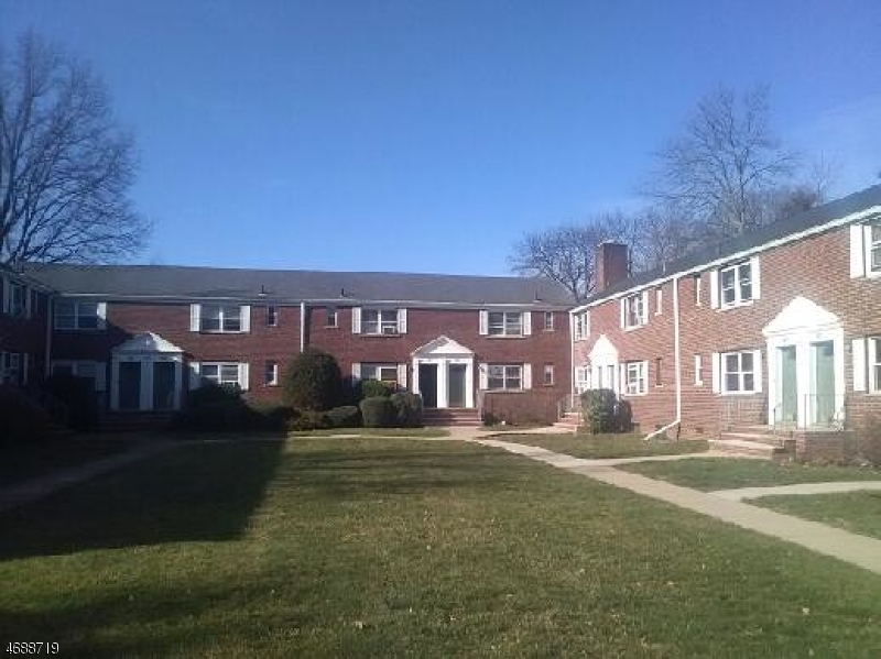 Частный односемейный дом для того Аренда на 41B CAROLYN TER Roselle, Нью-Джерси 07203 Соединенные Штаты