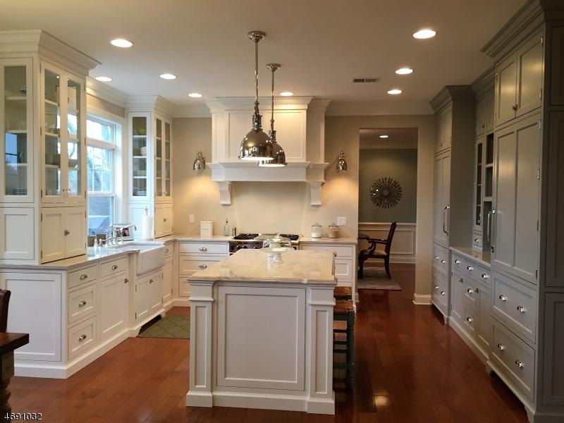 Частный односемейный дом для того Продажа на 31 CRESTVIEW Drive Clinton, 08809 Соединенные Штаты