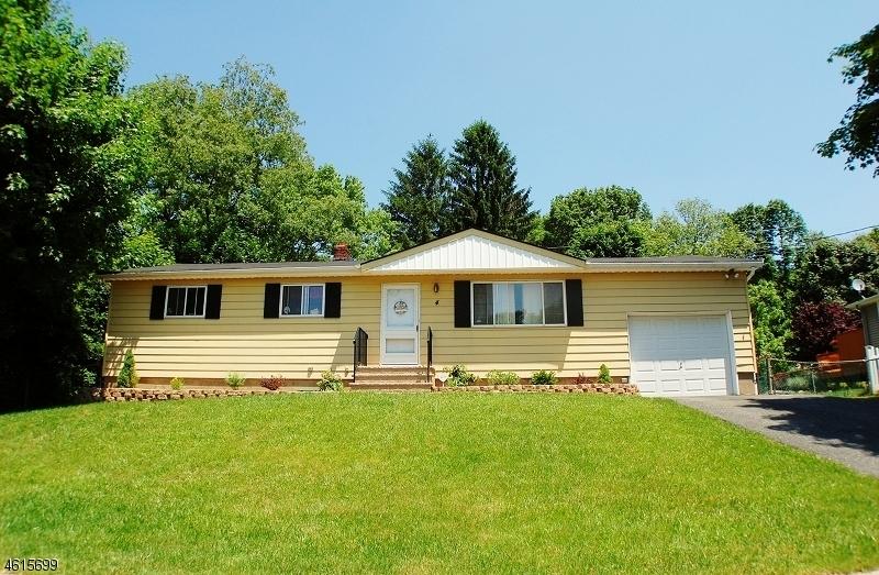 Maison unifamiliale pour l à louer à 4 Rosemont Road Oak Ridge, New Jersey 07438 États-Unis