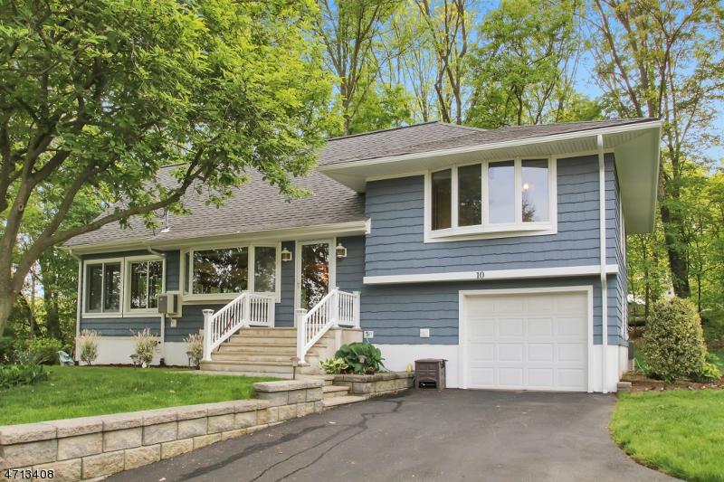 Частный односемейный дом для того Продажа на 10 Warren Street Bloomingdale, Нью-Джерси 07403 Соединенные Штаты