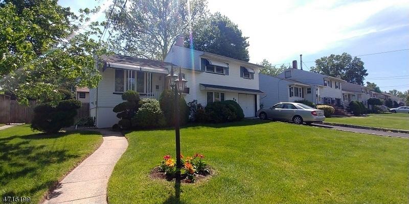 独户住宅 为 销售 在 64 Mercury Drive Woodbridge, 07067 美国