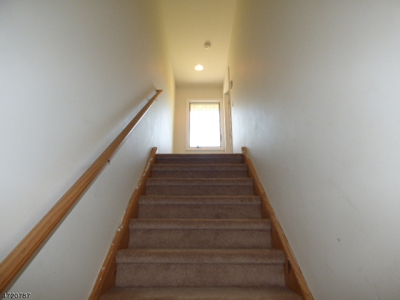 Additional photo for property listing at 15 Mackerly Road 15 Mackerly Road Newton, New Jersey 07860 Verenigde Staten