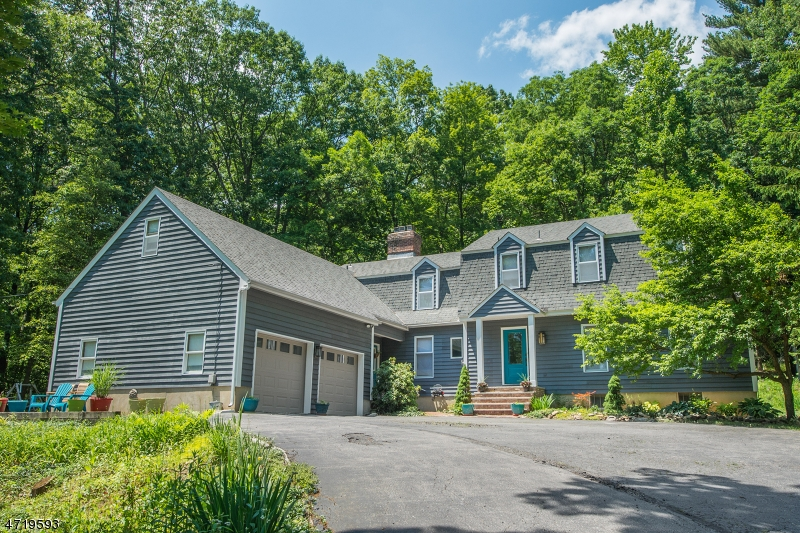 Single Family Home for Sale at 210 Emmans Road Flanders, New Jersey 07836 United States