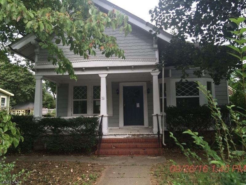 Enfamiljshus för Försäljning vid 96 Main Street Califon, New Jersey 07830 Usa