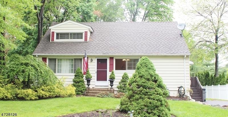 Maison unifamiliale pour l à louer à 22 Grand Avenue Cedar Knolls, New Jersey 07927 États-Unis