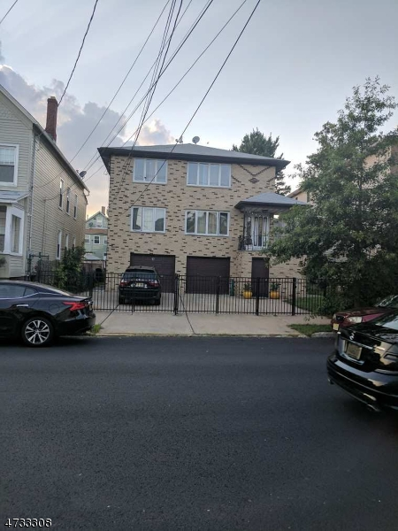 独户住宅 为 出租 在 17-19 S 2nd Street Elizabeth, 07206 美国