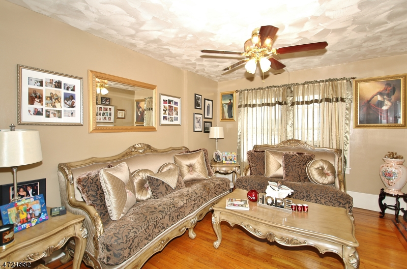 Additional photo for property listing at 552 W 7th Avenue  Roselle, 新澤西州 07203 美國