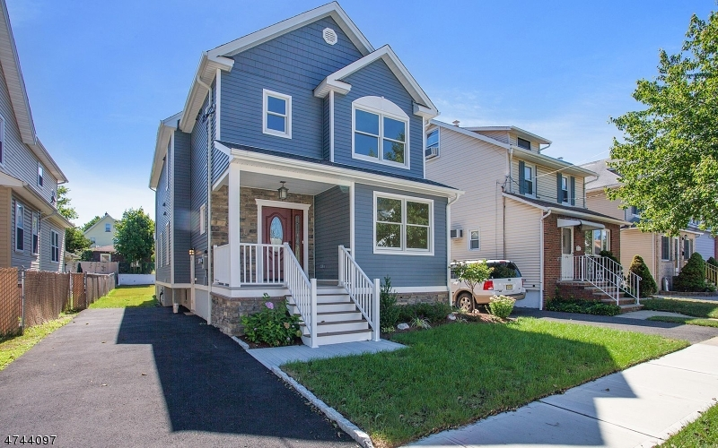 Single Family Home for Sale at 276 Watson Avenue Lyndhurst, New Jersey 07071 United States