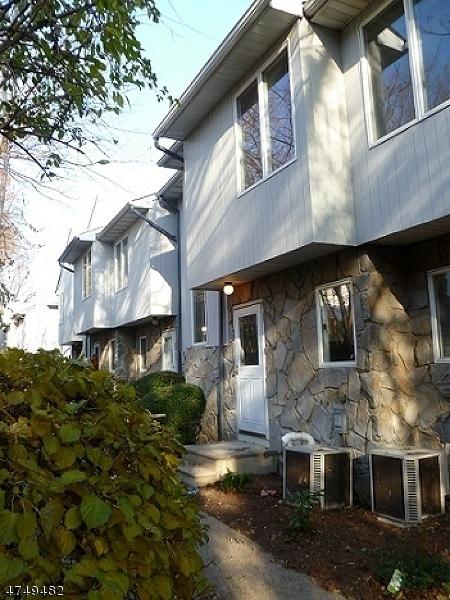 Maison unifamiliale pour l à louer à 6 Essex St, UNIT E-25 Belleville, New Jersey 07109 États-Unis