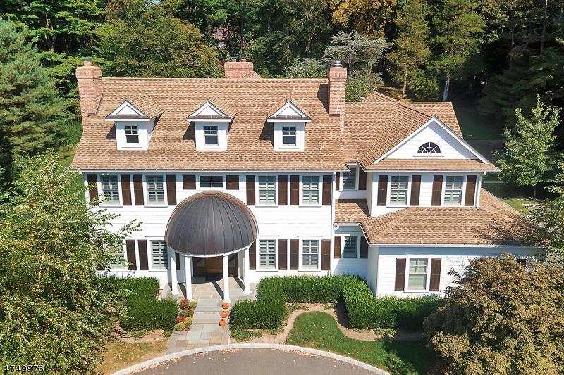Maison unifamiliale pour l Vente à 111 E Allendale Road Saddle River, New Jersey 07458 États-Unis