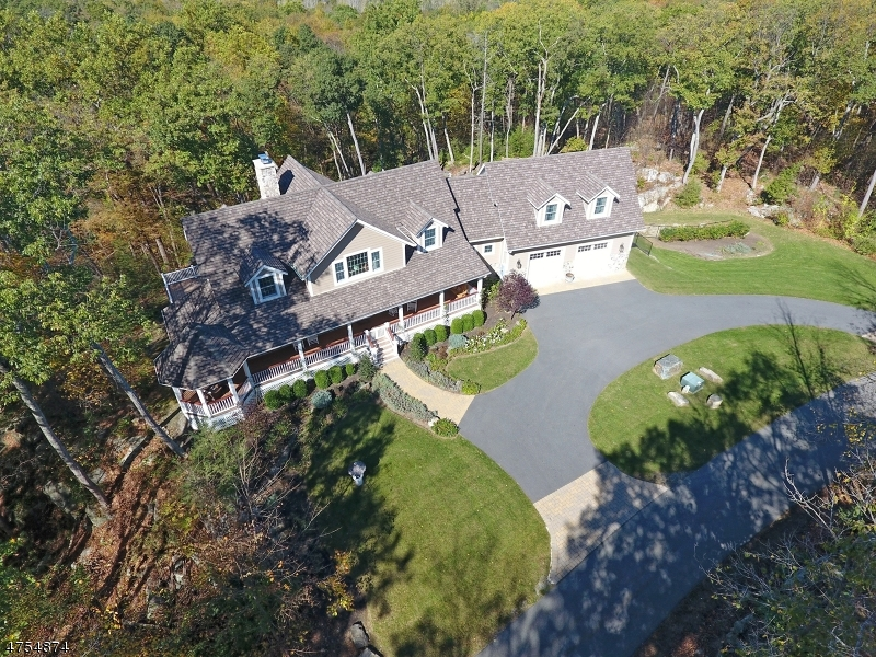 Additional photo for property listing at 2 Cub Lake Road  Byram Township, New Jersey 07821 États-Unis