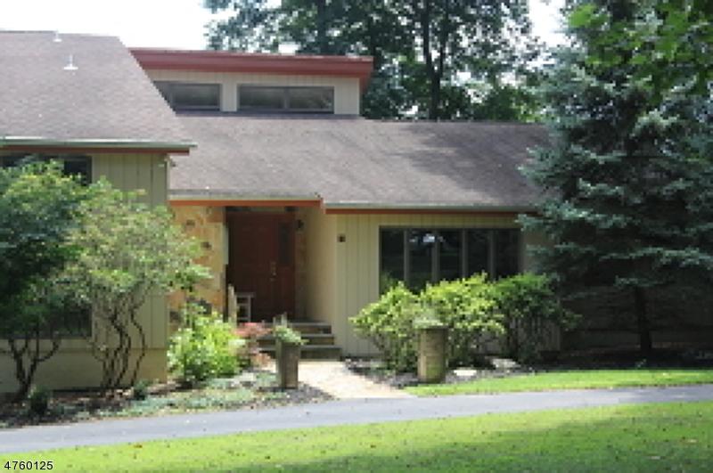 一戸建て のために 売買 アット 6 Erick Court Chester, ニュージャージー 07930 アメリカ合衆国