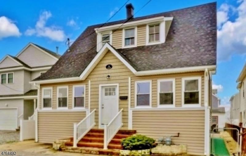 Частный односемейный дом для того Продажа на 17 Farragut Avenue Seaside Park, Нью-Джерси 08752 Соединенные Штаты