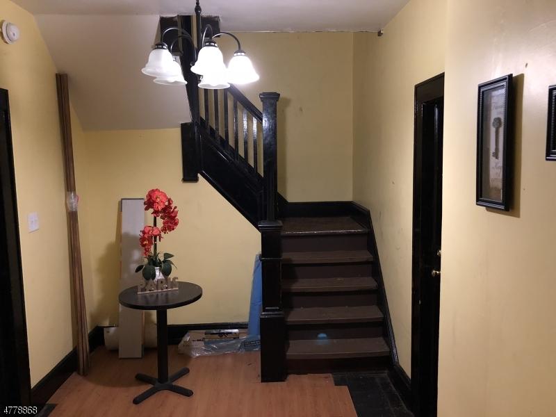 Многосемейный дом для того Продажа на 390 N 11TH Street Newark, Нью-Джерси 07107 Соединенные Штаты