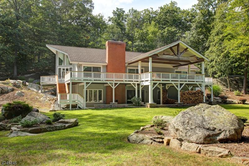 Casa para uma família para Venda às 12 Fernhollow Road 12 Fernhollow Road Boonton, Nova Jersey 07005 Estados Unidos