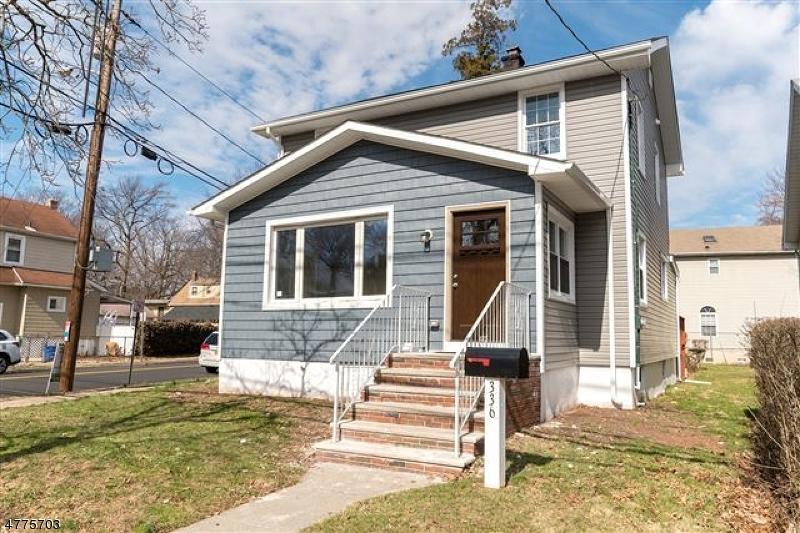 Частный односемейный дом для того Продажа на 336 W 3rd Avenue Roselle, Нью-Джерси 07203 Соединенные Штаты