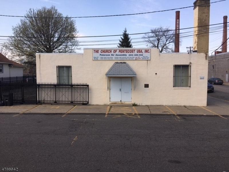 Commercial pour l Vente à 85 SASSAFRAS Street Paterson, New Jersey 07524 États-Unis