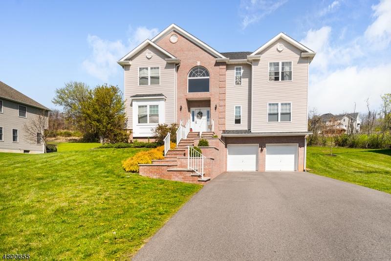 Casa Unifamiliar por un Venta en 8 Jacob Way Lopatcong, Nueva Jersey 08865 Estados Unidos