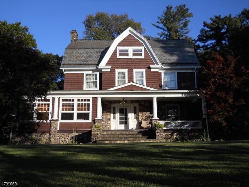 Property 为 销售 在 1778 Macopin Road 西米尔福德, 新泽西州 07480 美国