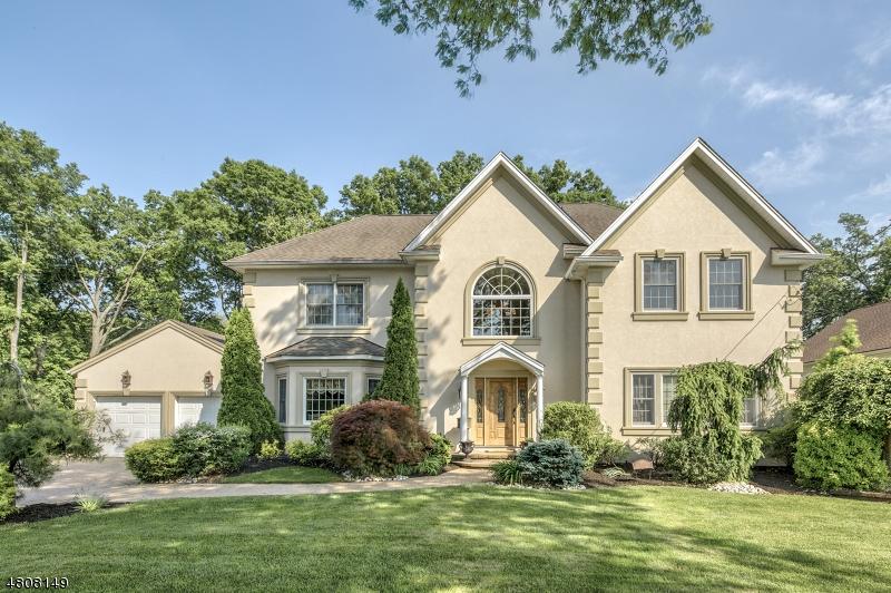 獨棟家庭住宅 為 出售 在 115 HILLCREST Drive Clark, 新澤西州 07066 美國