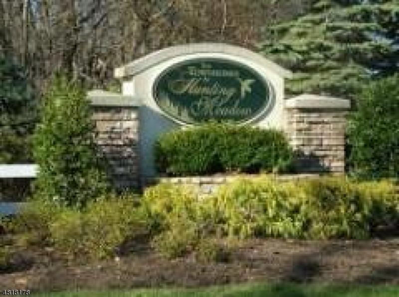 Condo / Townhouse pour l à louer à 13 ALLISTER Court Lincoln Park, New Jersey 07035 États-Unis