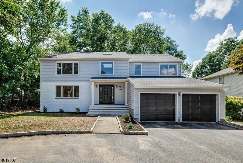 Maison unifamiliale pour l Vente à 12 GROVE Avenue East Hanover, New Jersey 07936 États-Unis