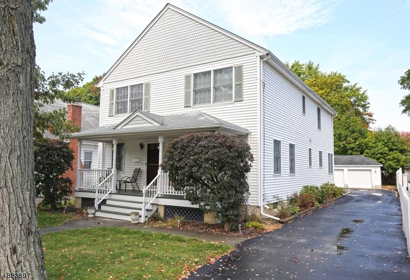 Casa para uma família para Locação às 27 MAPLE AVE - Left Side Morris Plains, Nova Jersey 07950 Estados Unidos