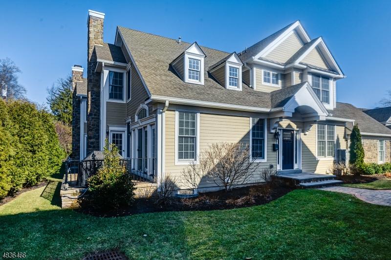 Condo / Townhouse pour l à louer à 19 WOODSTONE Circle Millburn, New Jersey 07041 États-Unis