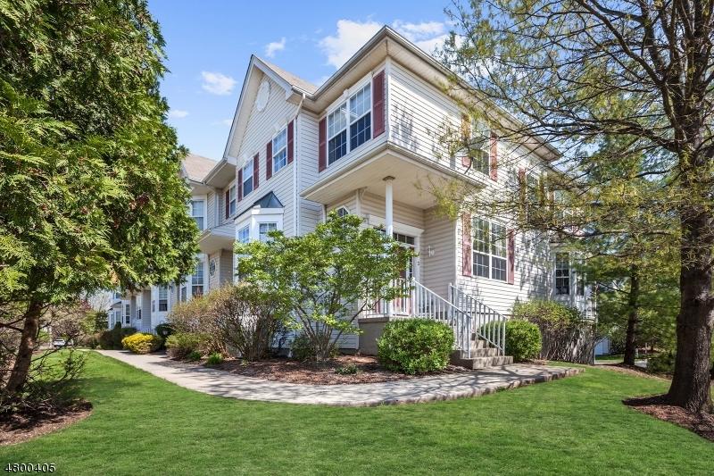 公寓 / 联排别墅 为 出租 在 3 CUMMINGTON Lane Raritan, 新泽西州 08822 美国