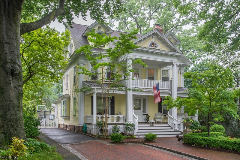 Single Family Home for Sale at 103 CHESTNUT ST 103 CHESTNUT ST Nutley, New Jersey 07110 United States