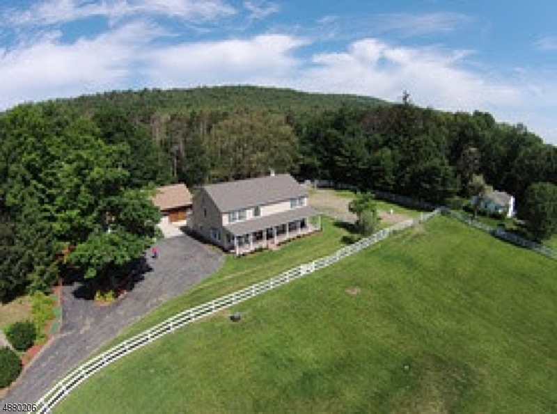 Single Family Home for Sale at 1059 UNION VALLEY RD 1059 UNION VALLEY RD West Milford, New Jersey 07480 United States