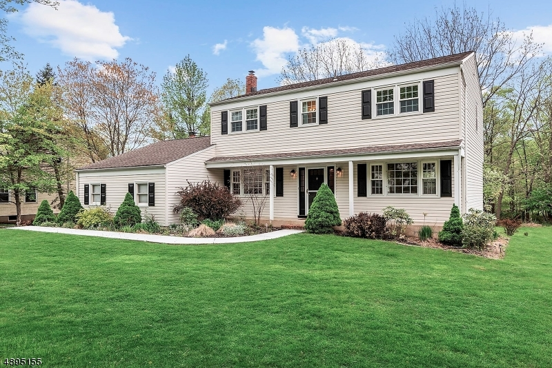 Single Family Home for Sale at 10 FLORIE FARM RD Mendham Borough, New Jersey 07945 United States