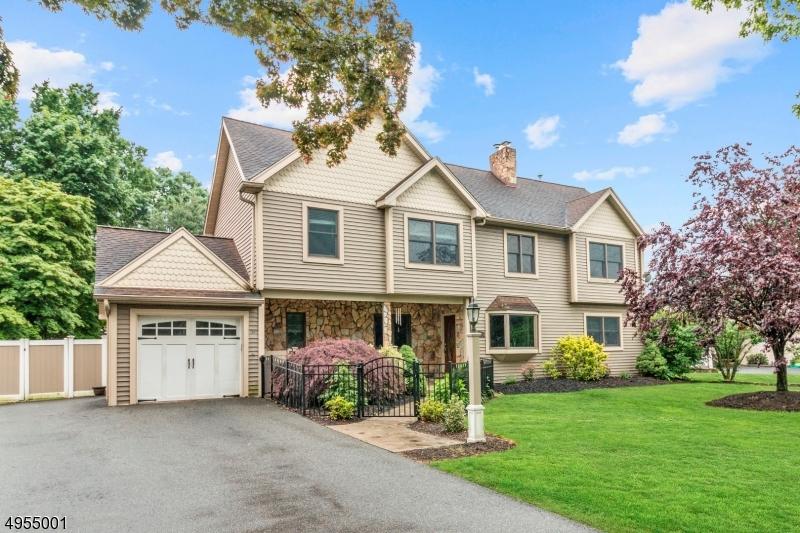 Single Family Homes 为 销售 在 Pequannock, 新泽西州 07444 美国